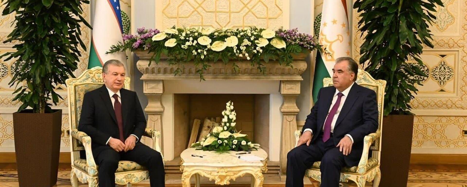 Президент Республики Узбекистан Шавкат Мирзиёев прибыл с официальным визитом в Республику Таджикистан - Sputnik Таджикистан, 1920, 10.06.2021