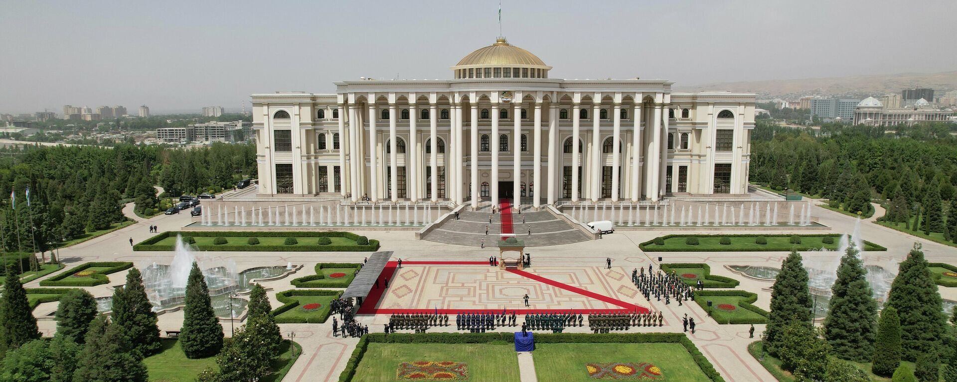 Дворец Нации в Душанбе - Sputnik Тоҷикистон, 1920, 31.08.2021