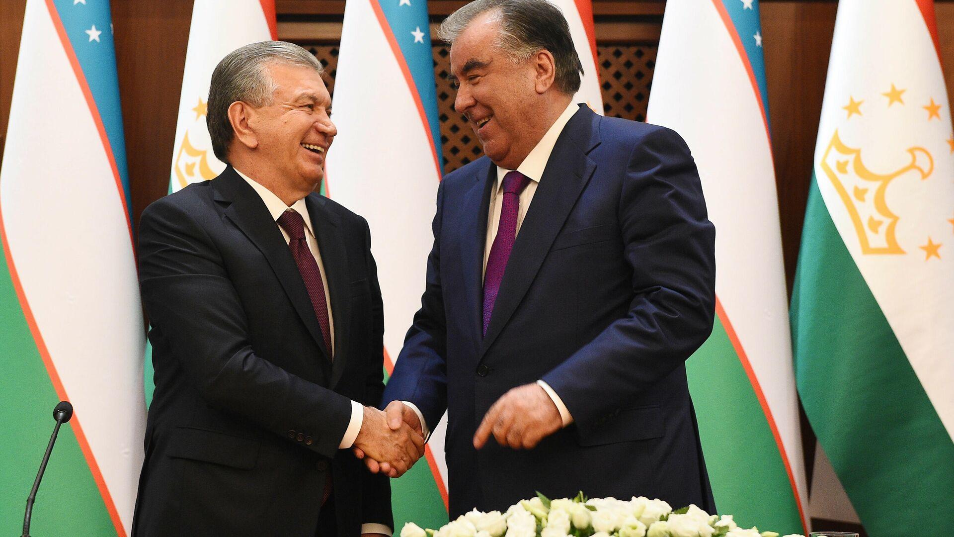 Президент Узбекистана Шавкат Мирзиеев и президент Таджикистана Эмомали Рахмон - Sputnik Таджикистан, 1920, 12.06.2021