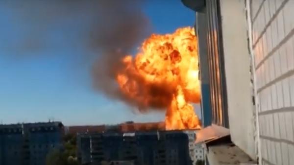 В Новосибирске на складе около газовой заправки произошел взрыв - Sputnik Таджикистан
