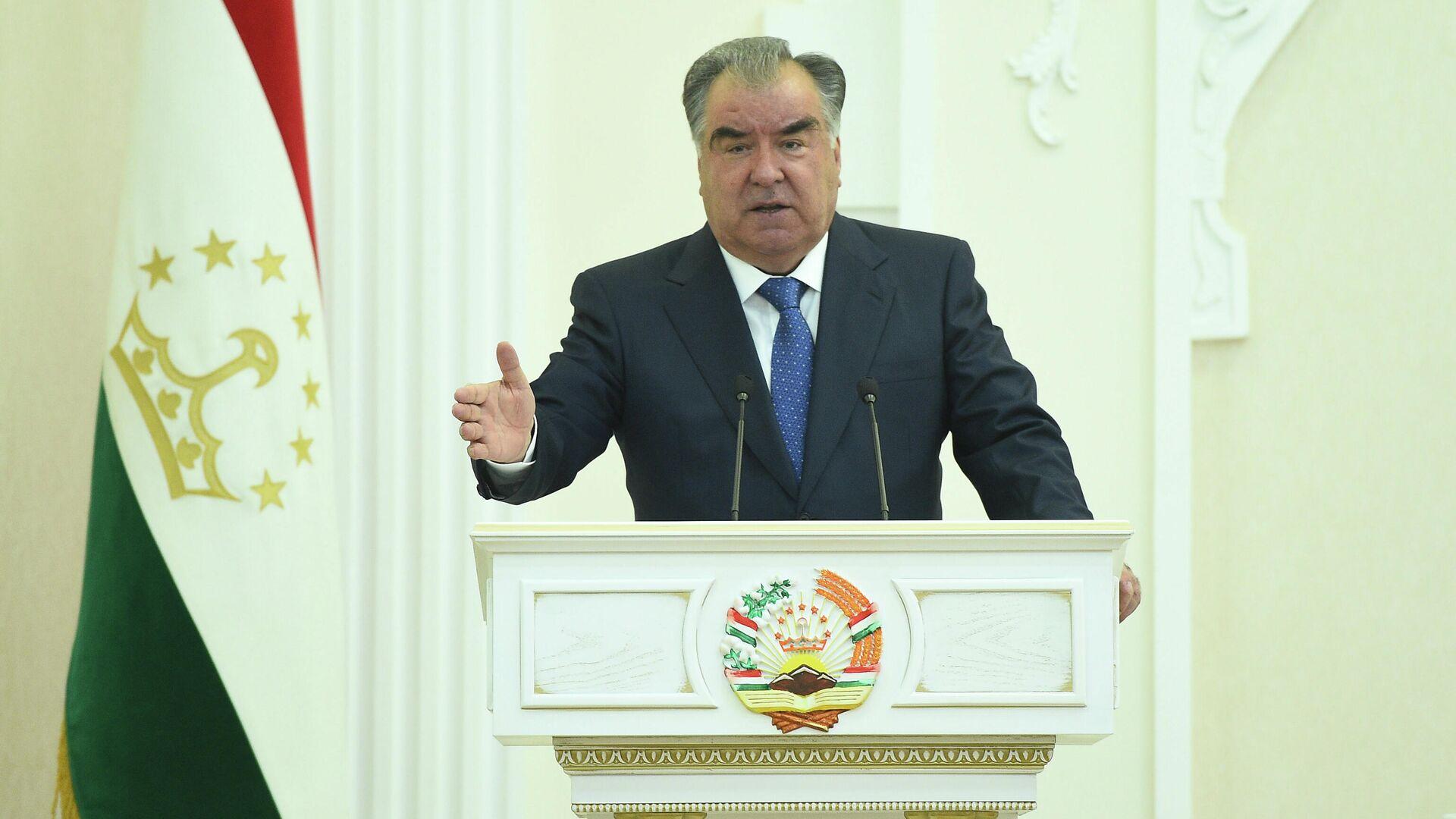 Президент Таджикистана Эмомали Рахмон - Sputnik Таджикистан, 1920, 26.06.2021