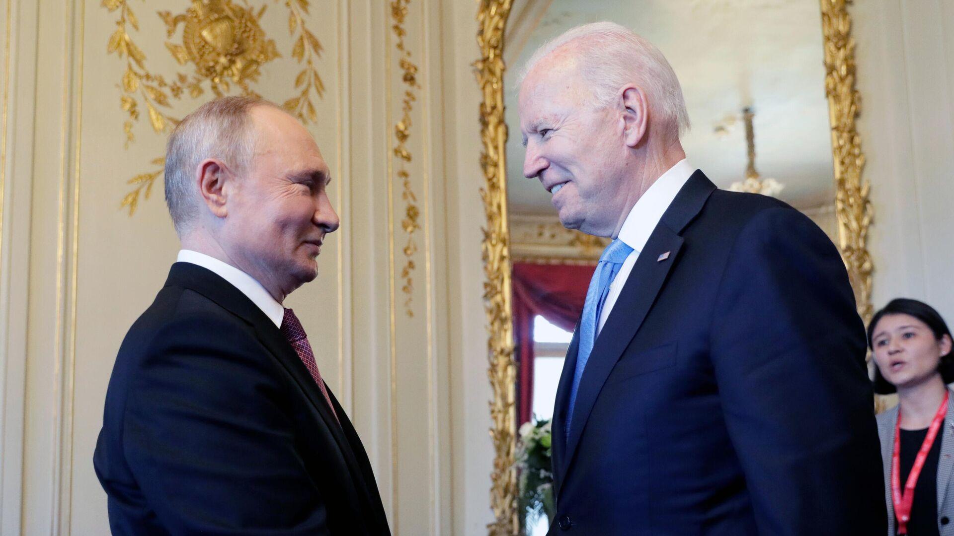 Политолог объяснил, почему Путин и Байден будут обсуждать Таджикистан