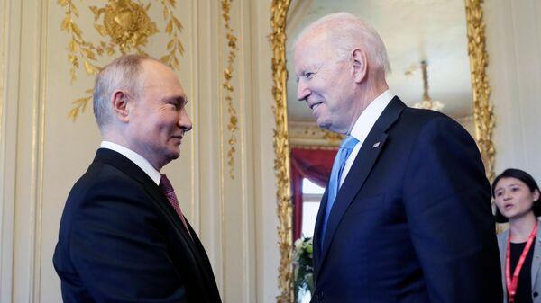 Встреча президентов России и США В. Путина и Дж. Байдена в Женеве - Sputnik Тоҷикистон
