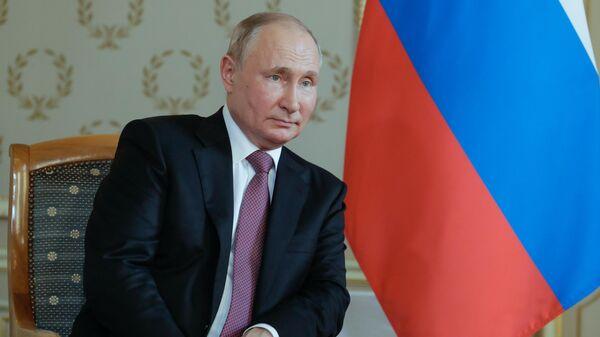 Встреча президента РФ В. Путина с президентом Швейцарии Ги Пармеленом в Женеве - Sputnik Таджикистан