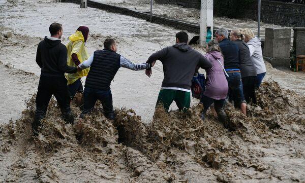 Из-за наводнения пострадали 24 человека. - Sputnik Таджикистан