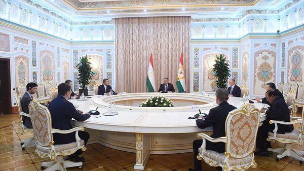 Президент Республики Таджикистан Эмомали Рахмон провел встречу с главами делегаций - Sputnik Тоҷикистон