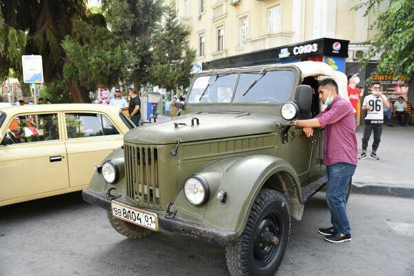 В Душанбе показали и автомобили военного времени. - Sputnik Таджикистан