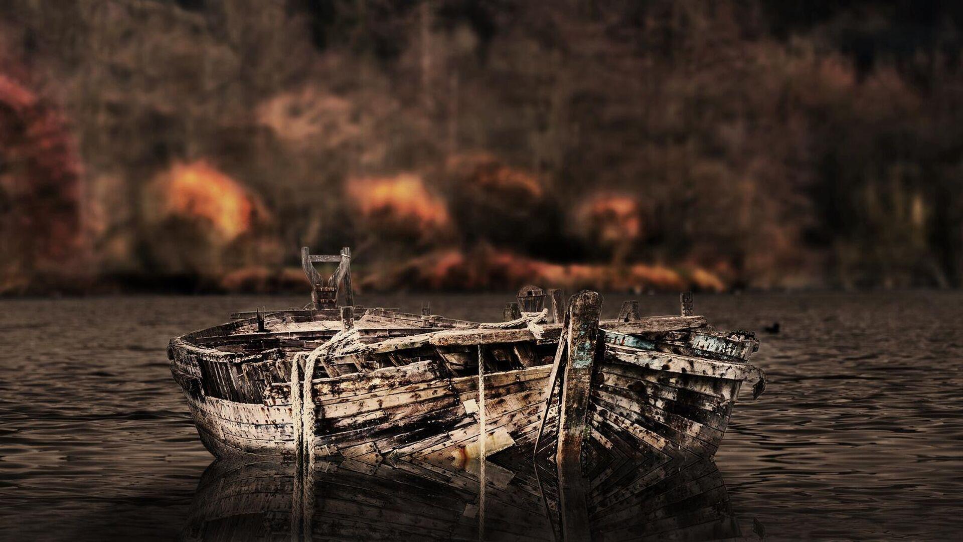 Старая заброшенная лодка - Sputnik Таджикистан, 1920, 28.06.2021