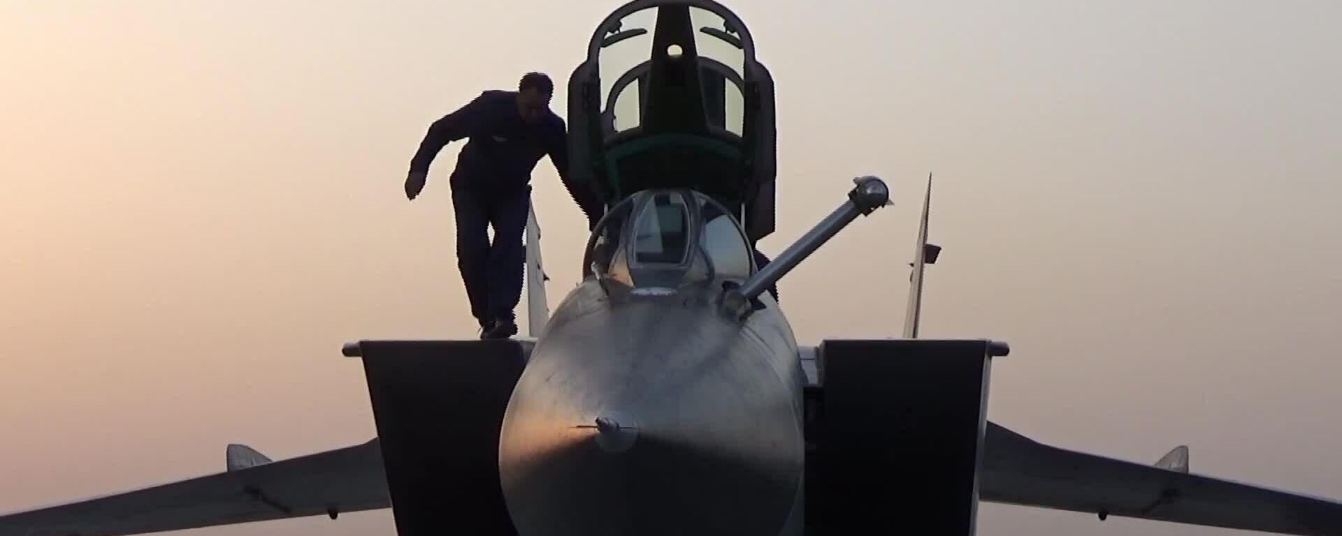 Переброска в Сирию российских истребителей с ракетами Кинжал - Sputnik Таджикистан, 1920, 29.06.2021