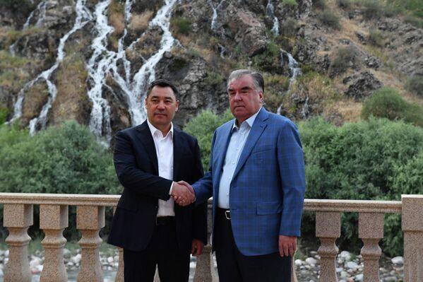 Встреча Рахмона и Жапарова проходила не только в официальном ключе.  - Sputnik Таджикистан
