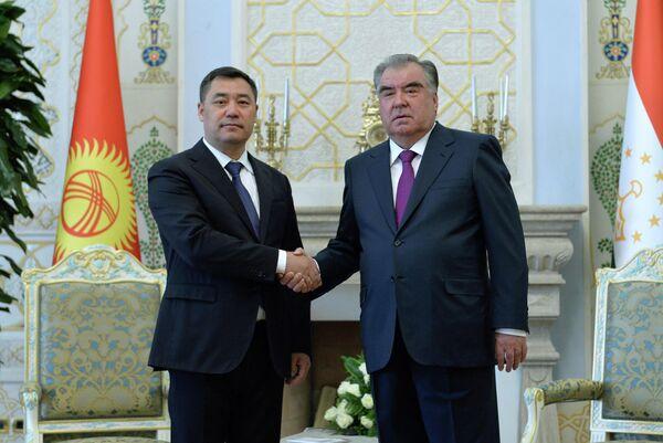 Переговоры президентов Таджикистана и Кыргызстана длились около семи часов. - Sputnik Таджикистан