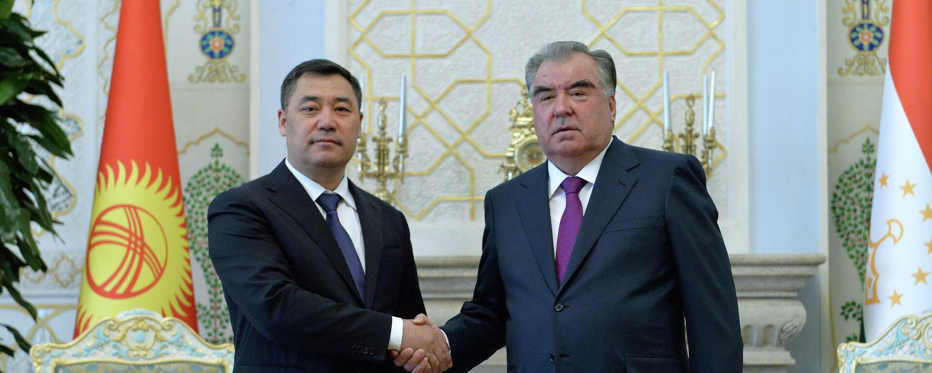 Встреча президента Таджикистана Эмомали Рахмона и президента Кыргызстана Садыра Жапарова - Sputnik Таджикистан, 1920, 29.06.2021