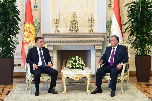 В частности, президенты договорили о расширении сотрудничества в политической, торгово-экономической, культурно-гуманитарной сферах. - Sputnik Таджикистан