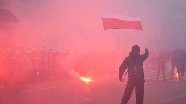 Марш националистов в Варшаве - Sputnik Таджикистан