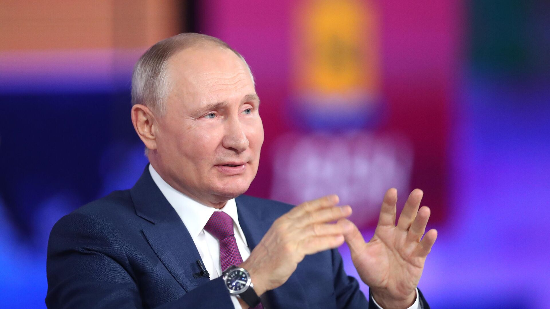 Президент РФ Владимир Путин - Sputnik Тоҷикистон, 1920, 01.09.2021