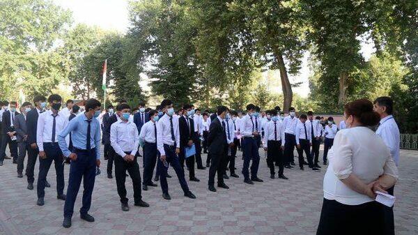 Экзаменационная кампания в Таджикистане - Sputnik Таджикистан