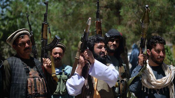Афганские ополченцы присоединяются к силам обороны Афганистана в Кабуле - Sputnik Тоҷикистон