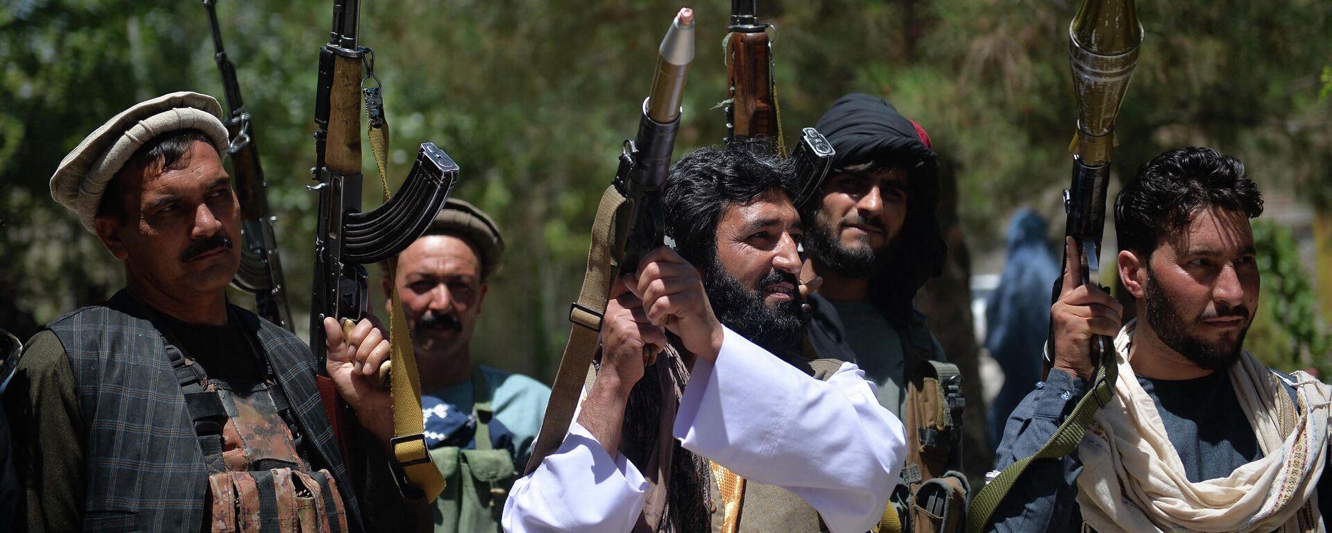 Афганские ополченцы присоединяются к силам обороны Афганистана в Кабуле - Sputnik Таджикистан, 1920, 09.07.2021