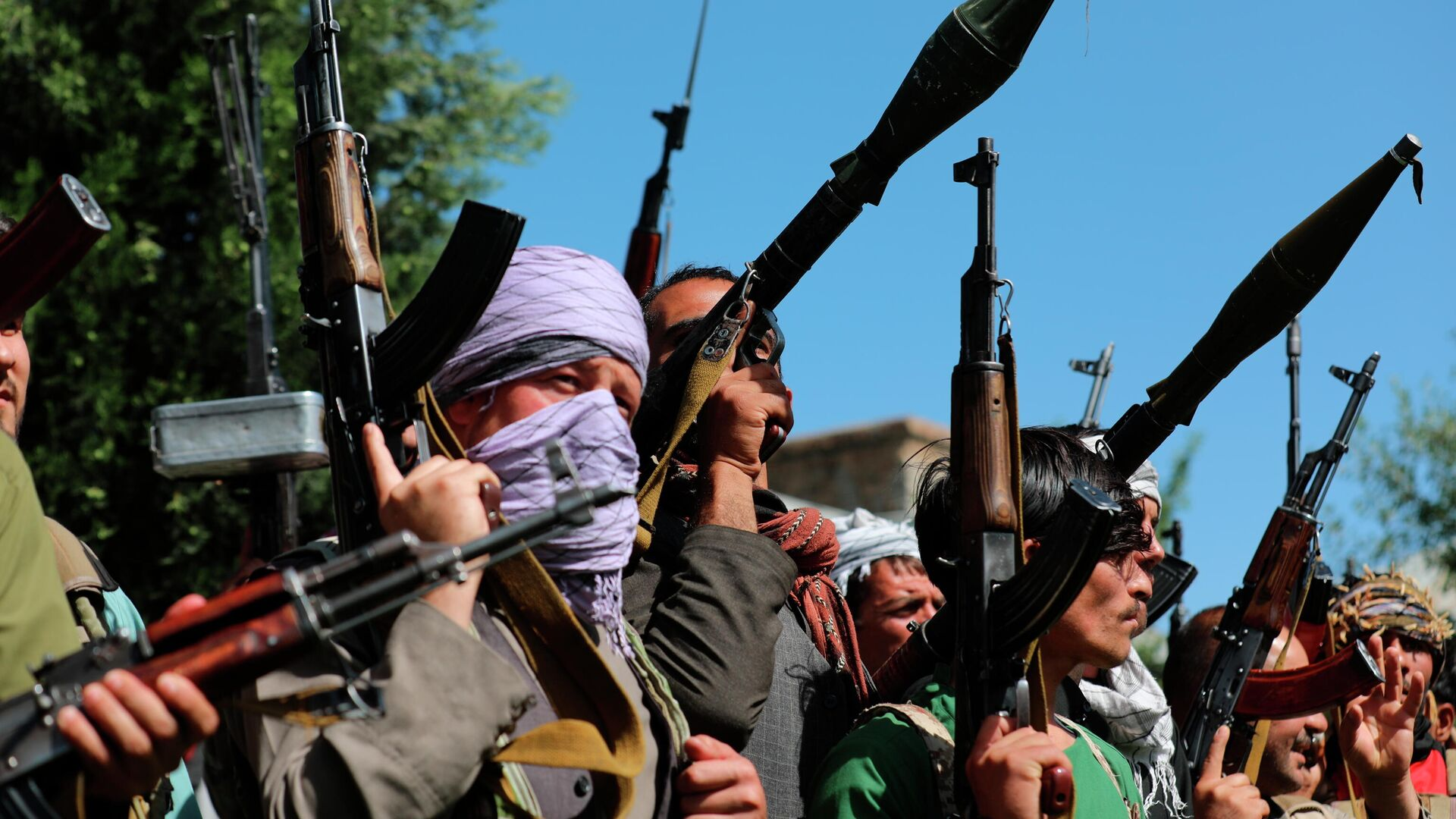 Афганские ополченцы присоединяются к силам обороны Афганистана в Кабуле - Sputnik Таджикистан, 1920, 14.07.2021