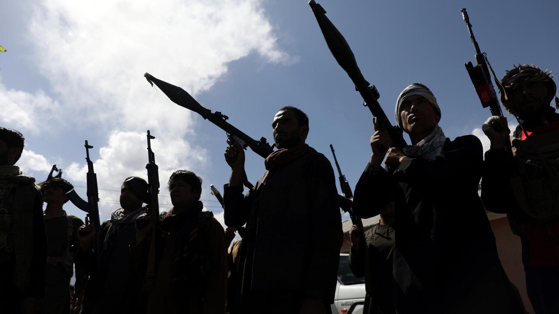 Афганские ополченцы присоединяются к силам обороны Афганистана в Кабуле - Sputnik Таджикистан, 1920, 12.08.2021
