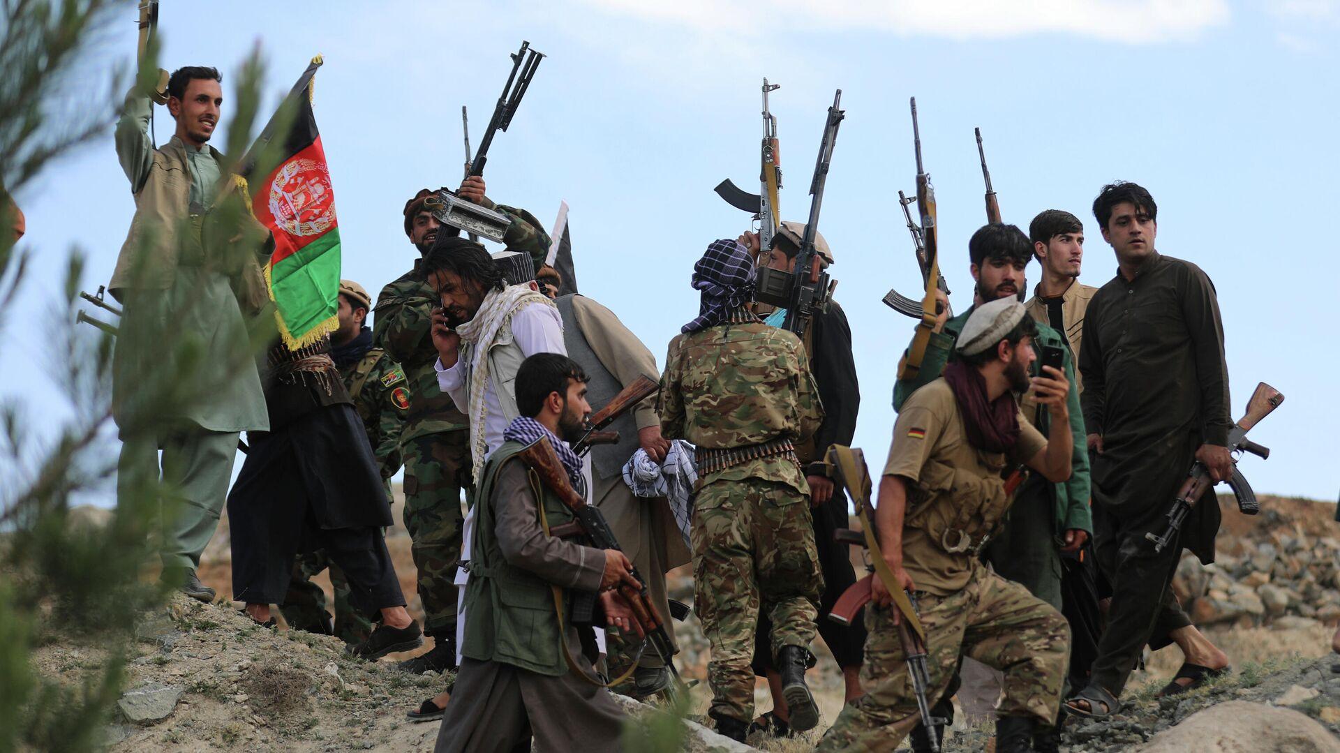 Афганские ополченцы присоединяются к силам обороны Афганистана в Кабуле - Sputnik Тоҷикистон, 1920, 30.07.2021