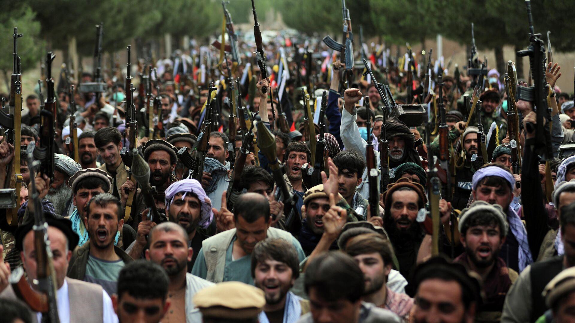 Афганские ополченцы присоединяются к силам обороны Афганистана в Кабуле - Sputnik Таджикистан, 1920, 23.07.2021