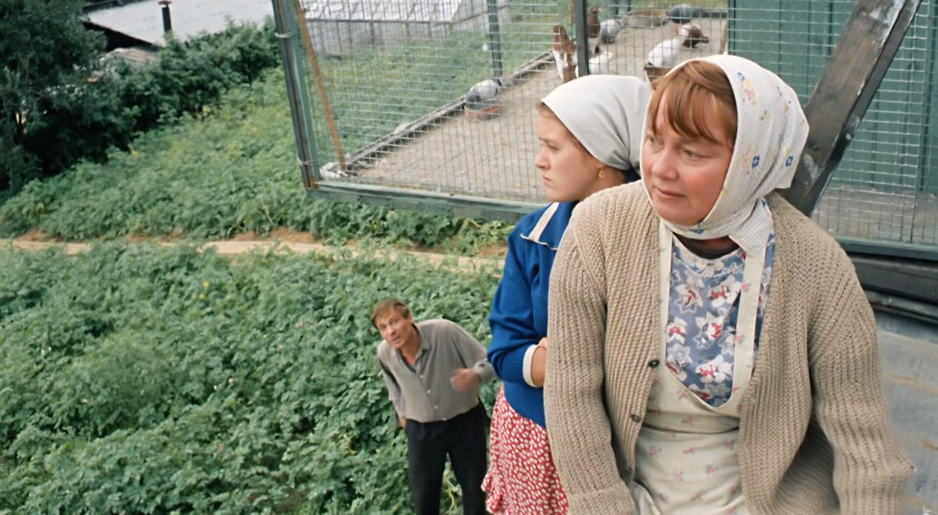 Кадр из кинофильма Любовь и голуби - Sputnik Таджикистан, 1920, 05.07.2021