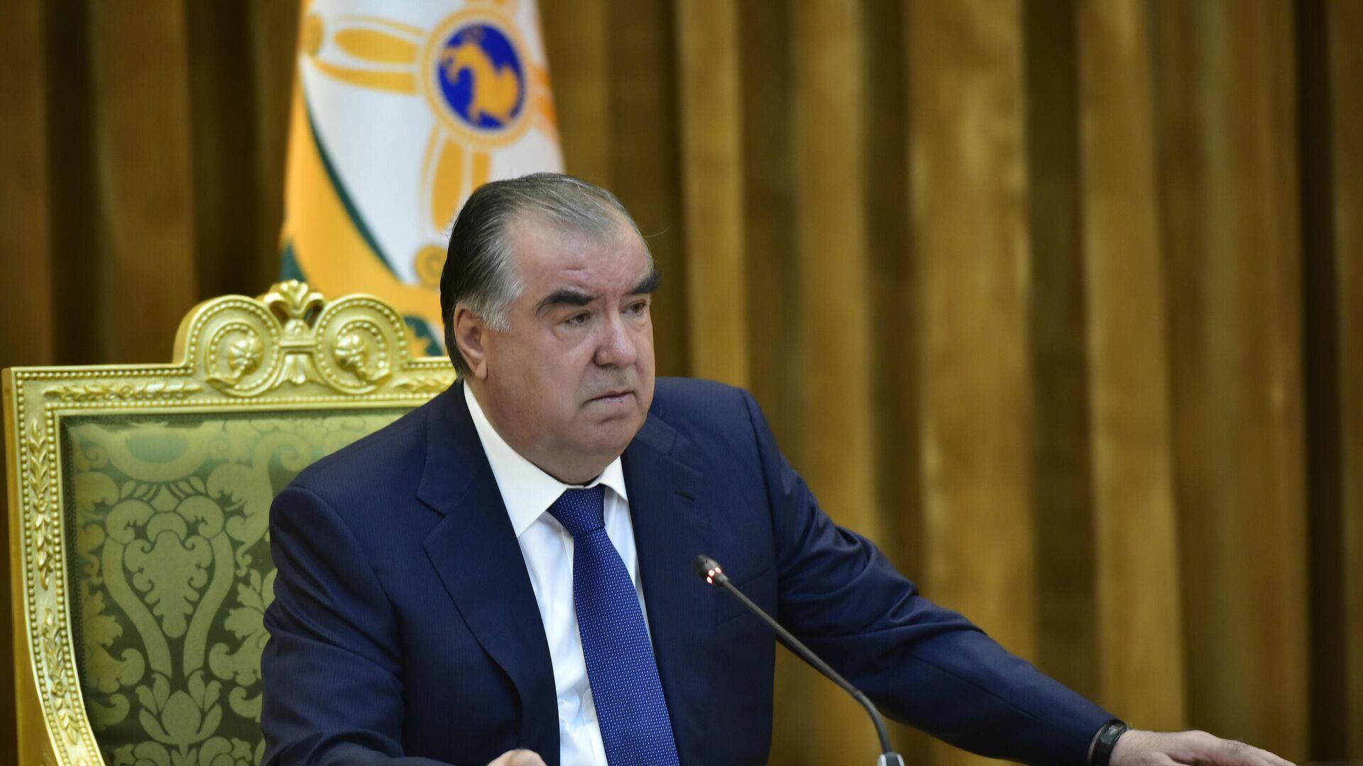 Президент Республики Таджикистан Эмомали Рахмон - Sputnik Таджикистан, 1920, 05.07.2021