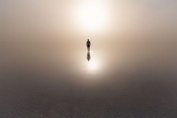 Пыльная буря в поселке Эльтон Волгоградской области, где находится самое большое минеральное озеро Европы. - Sputnik Таджикистан