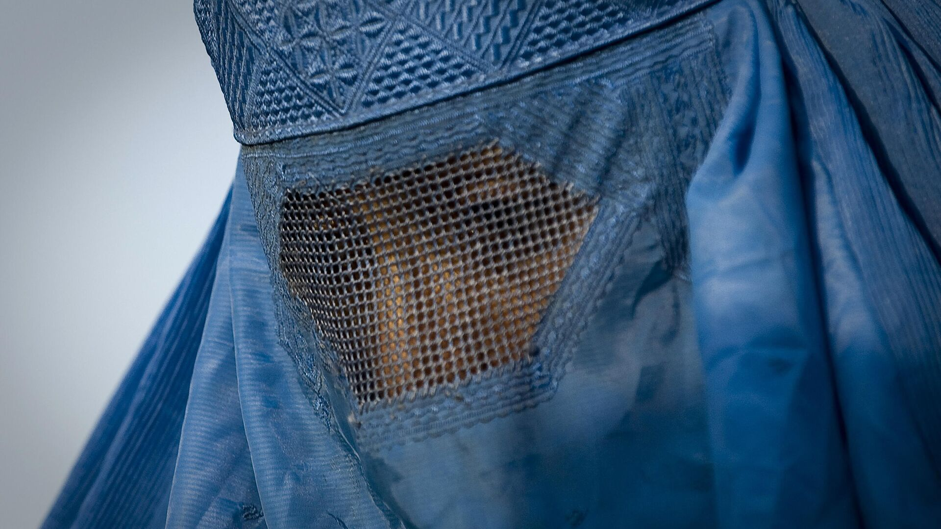 Женщина в Афганистане в парандже - Sputnik Тоҷикистон, 1920, 04.09.2021