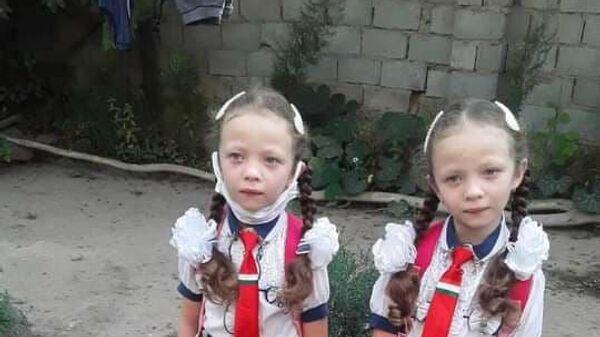 Руфайдаи ғӯрамарг бо хоҳараш Румайсо - Sputnik Таджикистан