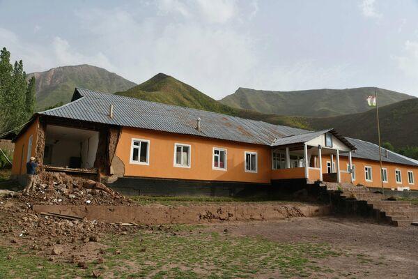 Последствия затронули и местную школу. - Sputnik Таджикистан