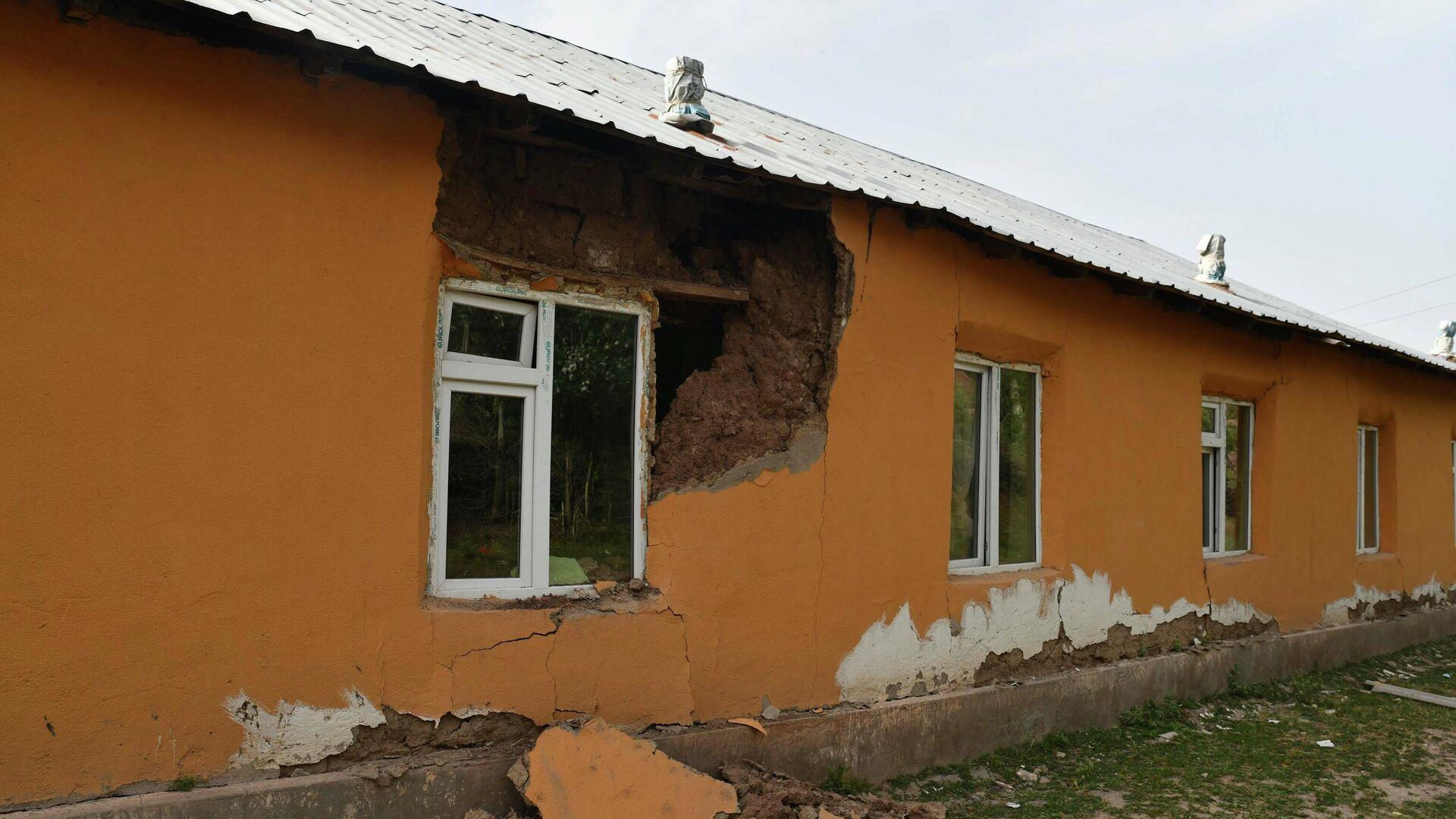 Последствия землетрясения в Лангари Шох - Sputnik Таджикистан, 1920, 12.07.2021