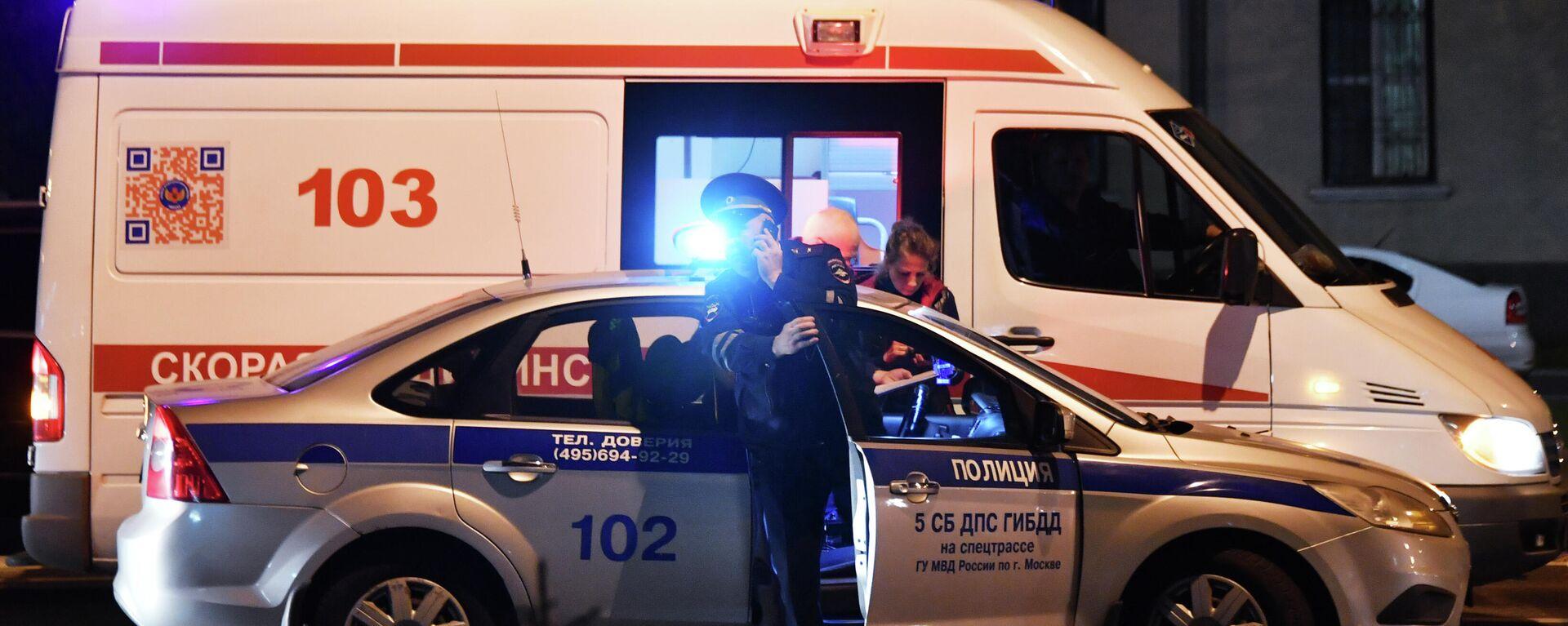 Автомобили полиции и скорой медицинской помощи, архивное фото - Sputnik Тоҷикистон, 1920, 14.07.2021