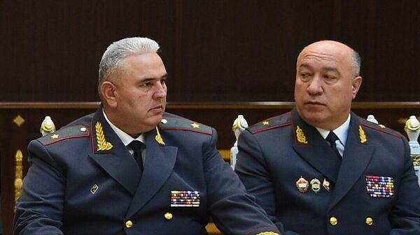 Генерал Нурилло Орифзода (Справа) и генерал Искандарзода Мухаммадшох (слева) - Sputnik Таджикистан