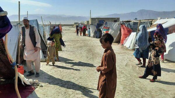 Лагерь беженцев в Мазари-Шарифе - Sputnik Таджикистан
