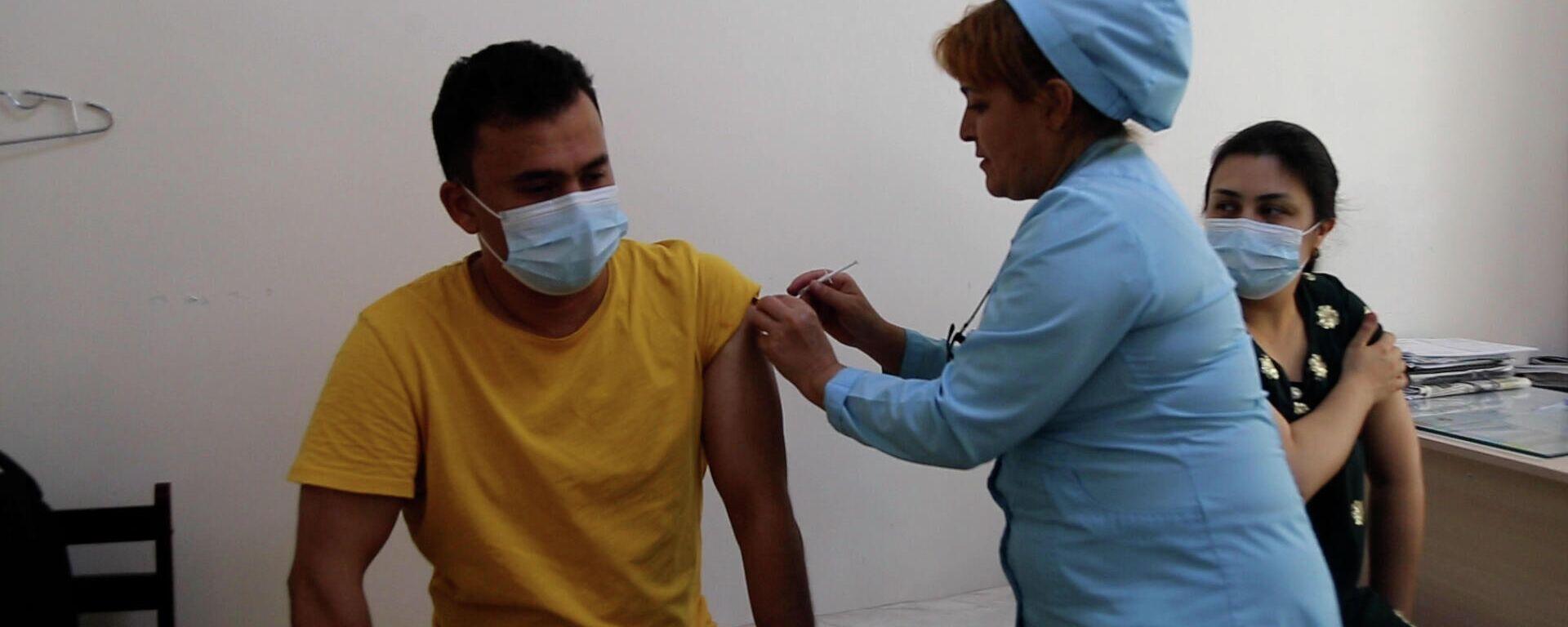 Вакцинация от коронавируса в Таджикистане - Sputnik Таджикистан, 1920, 26.07.2021