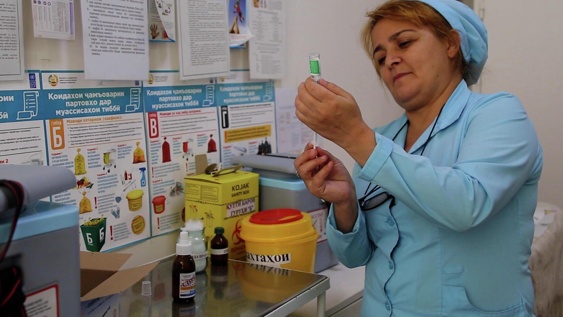 Вакцинация от коронавируса в Таджикистане - Sputnik Тоҷикистон, 1920, 02.09.2021