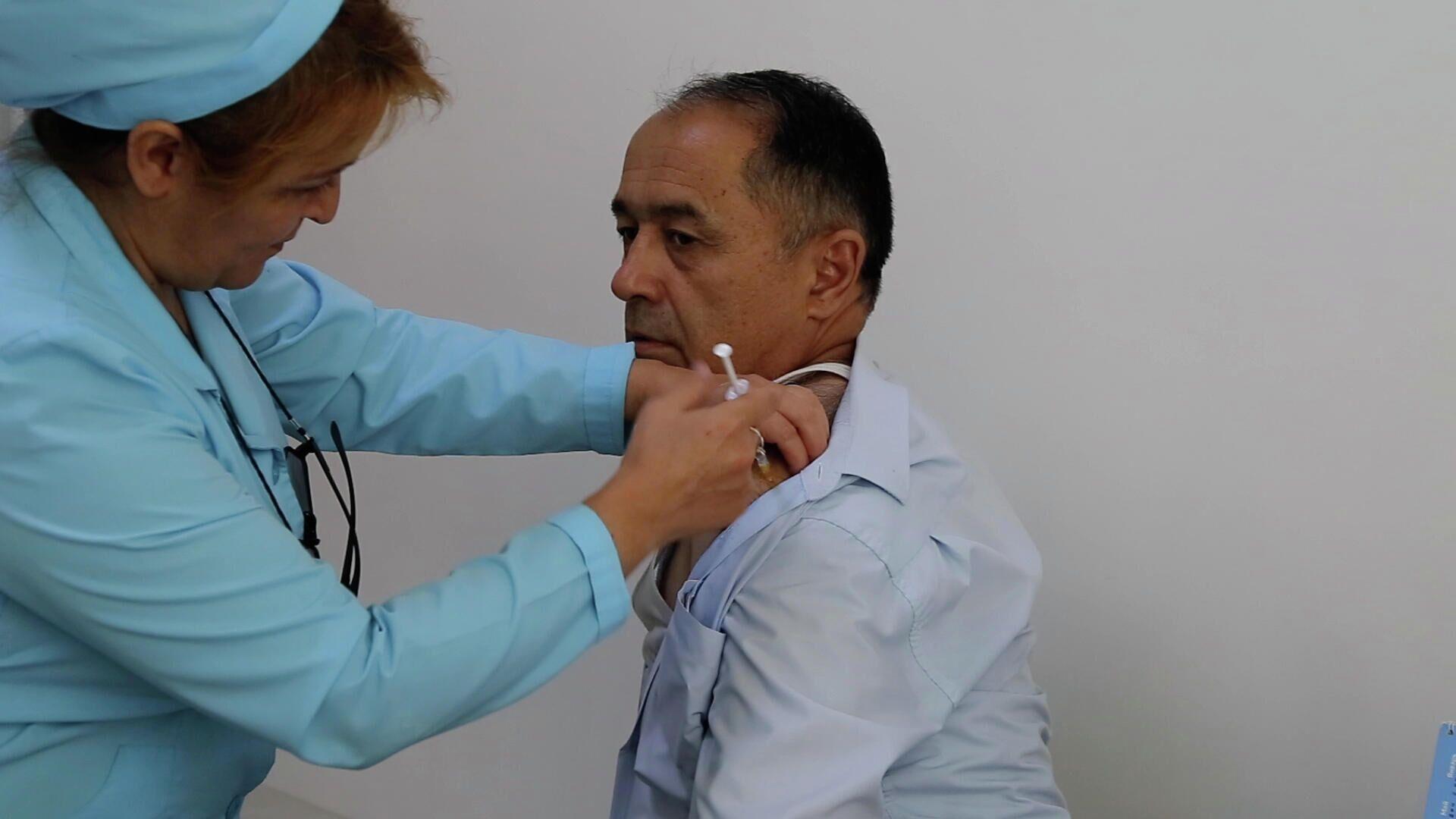 Вакцинация от коронавируса в Таджикистане - Sputnik Таджикистан, 1920, 02.09.2021