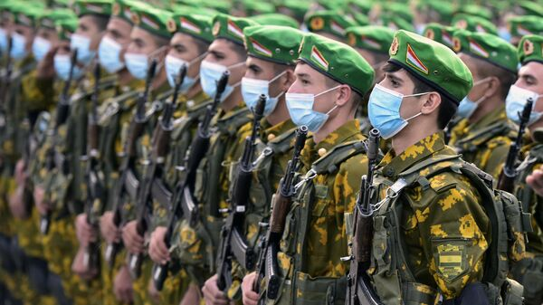 Военнослужащие армии Таджикистана - Sputnik Тоҷикистон