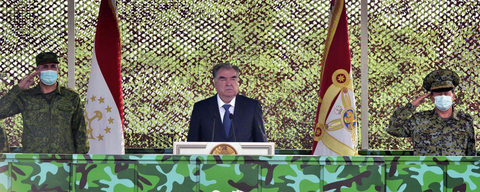 Президент Таджикистана Эмомали Рахмон - Sputnik Таджикистан, 1920, 22.07.2021