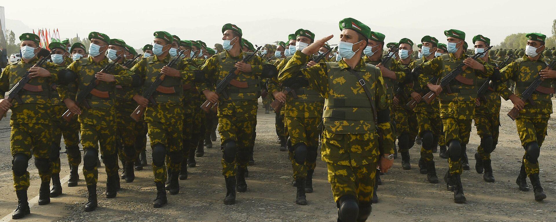 Военнослужащие армии Таджикистана - Sputnik Таджикистан, 1920, 16.07.2021