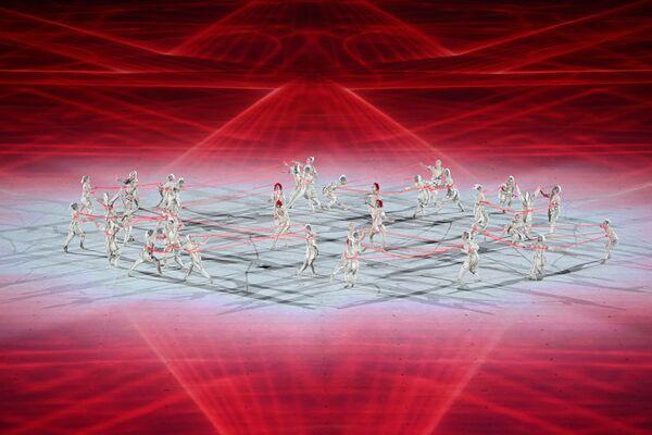 Церемонию открытия начали с выступления танцоров. - Sputnik Таджикистан