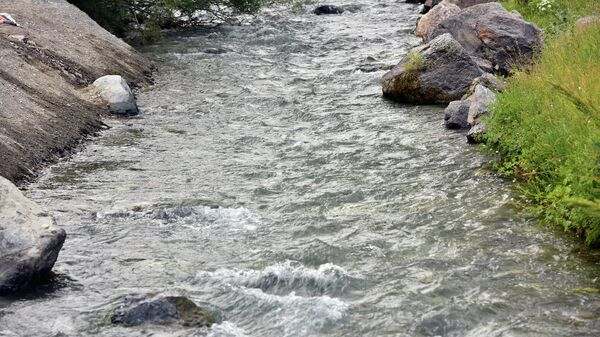 Вид на реку в Согдийской области - Sputnik Тоҷикистон
