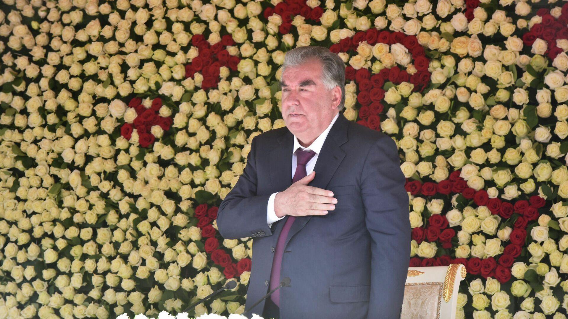 Президент Таджикистана Эмомали Рахмон - Sputnik Тоҷикистон, 1920, 08.09.2021