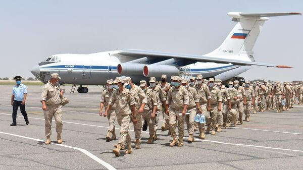 Российские военные  - Sputnik Таджикистан