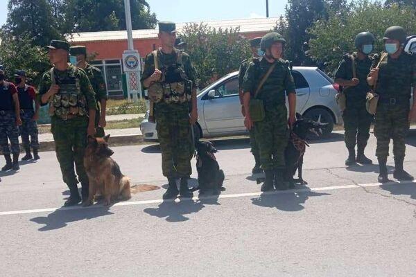 На кыргызско-таджикской границе проводится совместная специальная пограничная операция по противодействию контрабанде - Sputnik Тоҷикистон