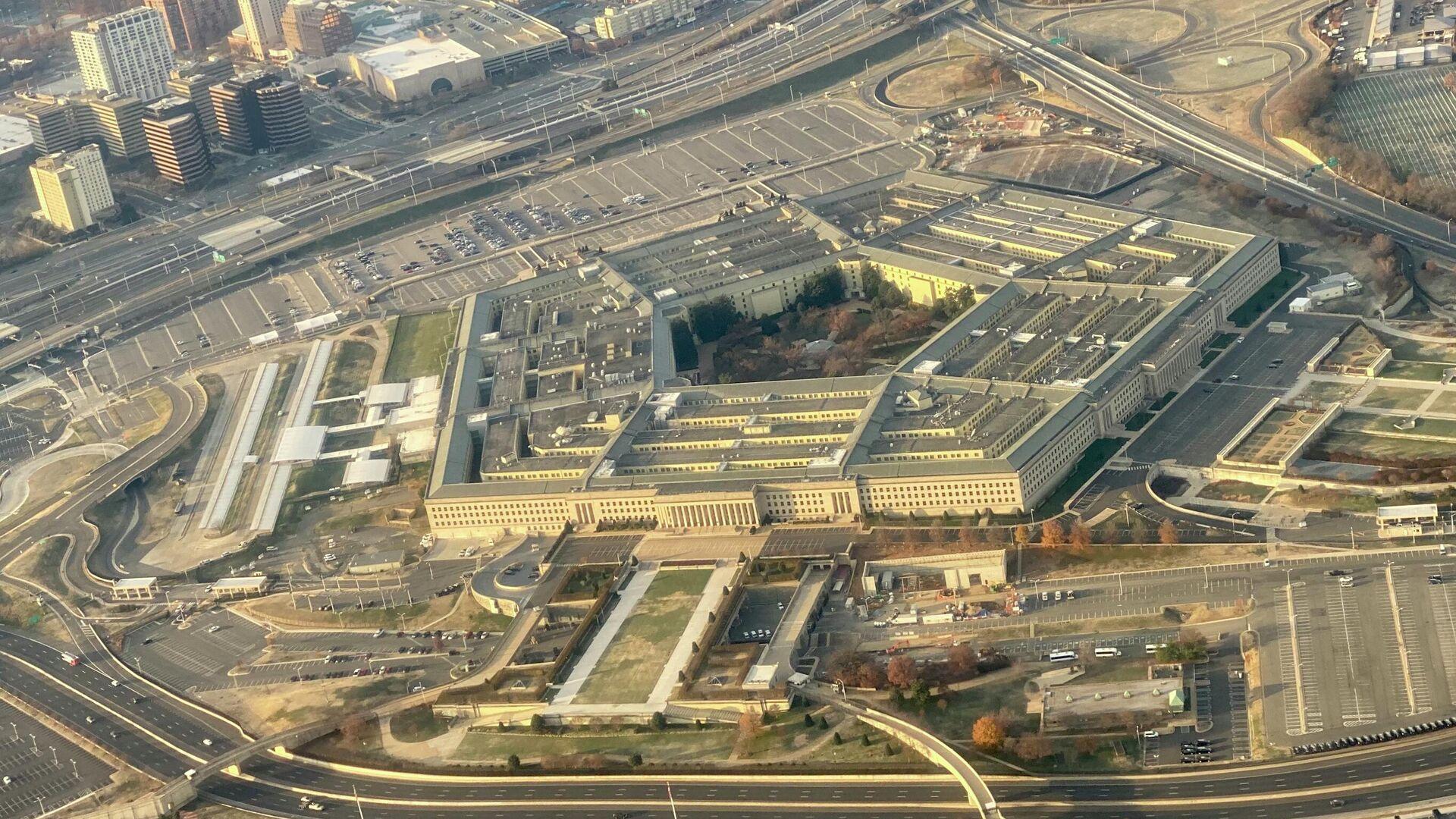 Пентагон, штаб-квартира Министерства обороны США, расположенный в округе Арлингтон, через реку Потомак от Вашингтона, округ Колумбия - Sputnik Таджикистан, 1920, 03.08.2021