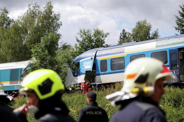 По другой версии, причиной аварии могла стать техническая неисправность.  - Sputnik Таджикистан