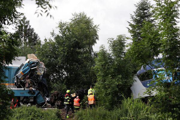 Всего при аварии на путях пострадали свыше 50 человек, из них 10 - граждане Германии. - Sputnik Таджикистан